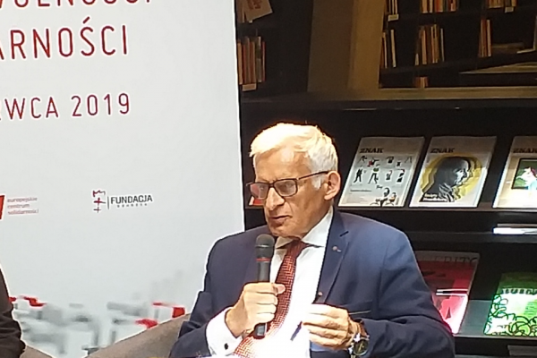 jerzy-buzek-samorza-d-etc-2jpg294B596F-FC39-3A59-B628-F4587713A1CA.png